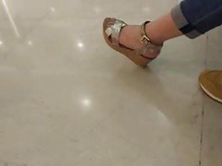 Chinese feet