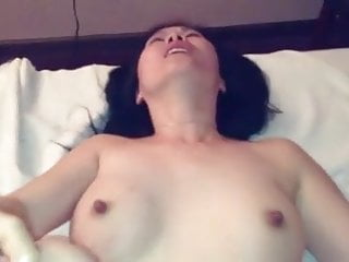 Massage customer gets a happy endng from a Chinese slut.