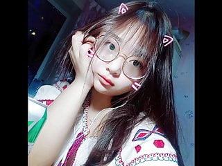 Chinese schoolgirl hook up