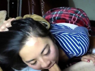 Chinese pinay teen girlfriend giving me blowjob
