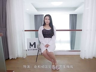 Chinese AV Newcomer having sex after brief interview, 28 min