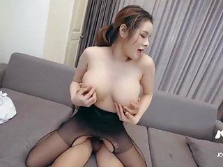 Zhang Yunxi  Humongous Chinese tits