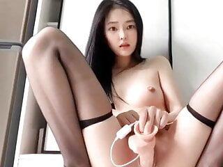 Chinese webcam girl