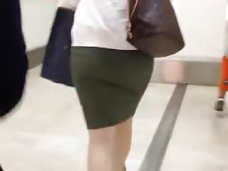 Chinese Chick's Curvy Arse Cheeks (Part 1)